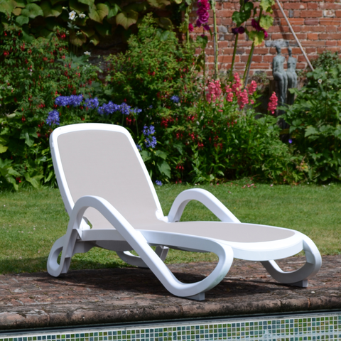 Nardi Alfa White & Turtle Dove Sun Lounger - Ruby's Garden Boutique