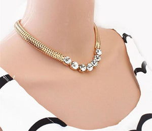 Snap Lady Shiny Rhinestones Necklace - Choker Necklaces