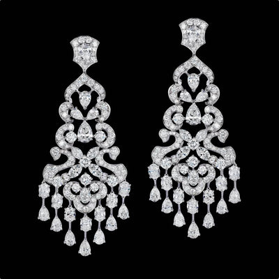 CLASSIC SIGNATURE DIAMOND EARRINGS