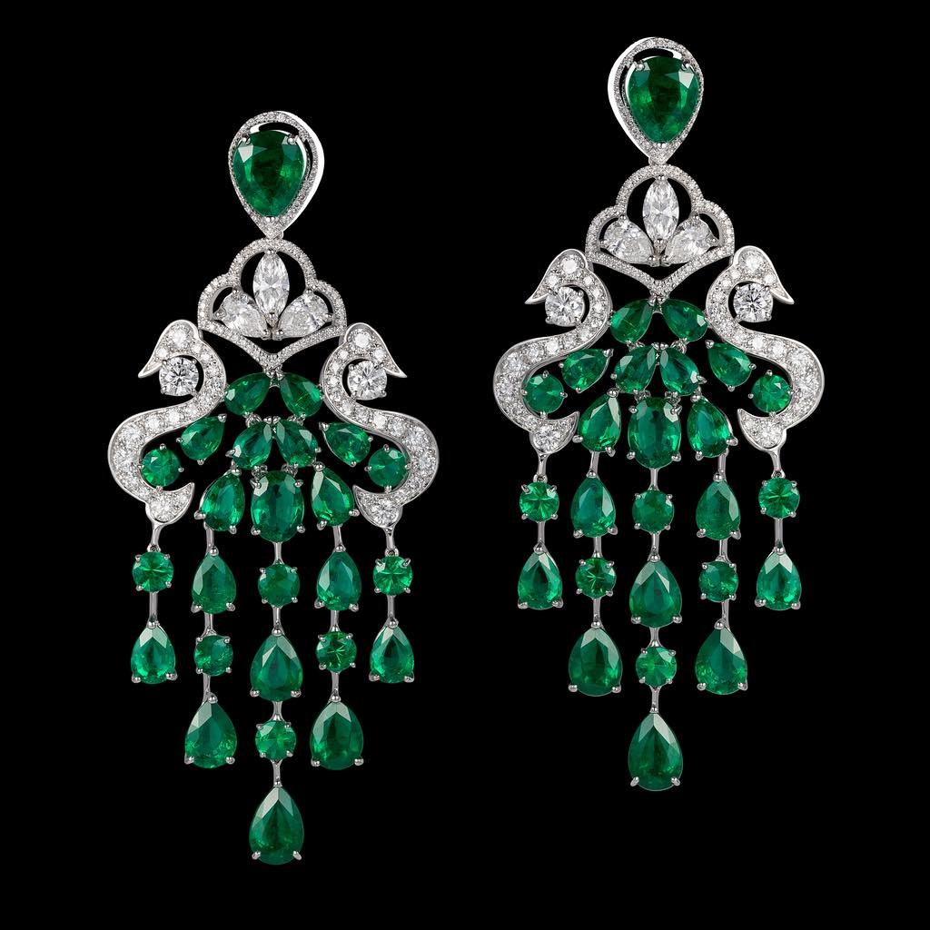 CLASSIC CHANDELIER EMERALD DIAMOND EARRINGS