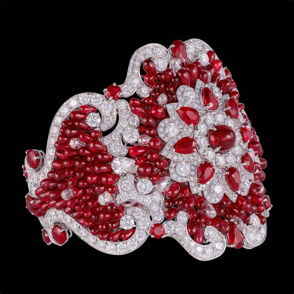 CLASSIC BURMESE RUBY BRIOLETTE AND DIAMOND CUFF