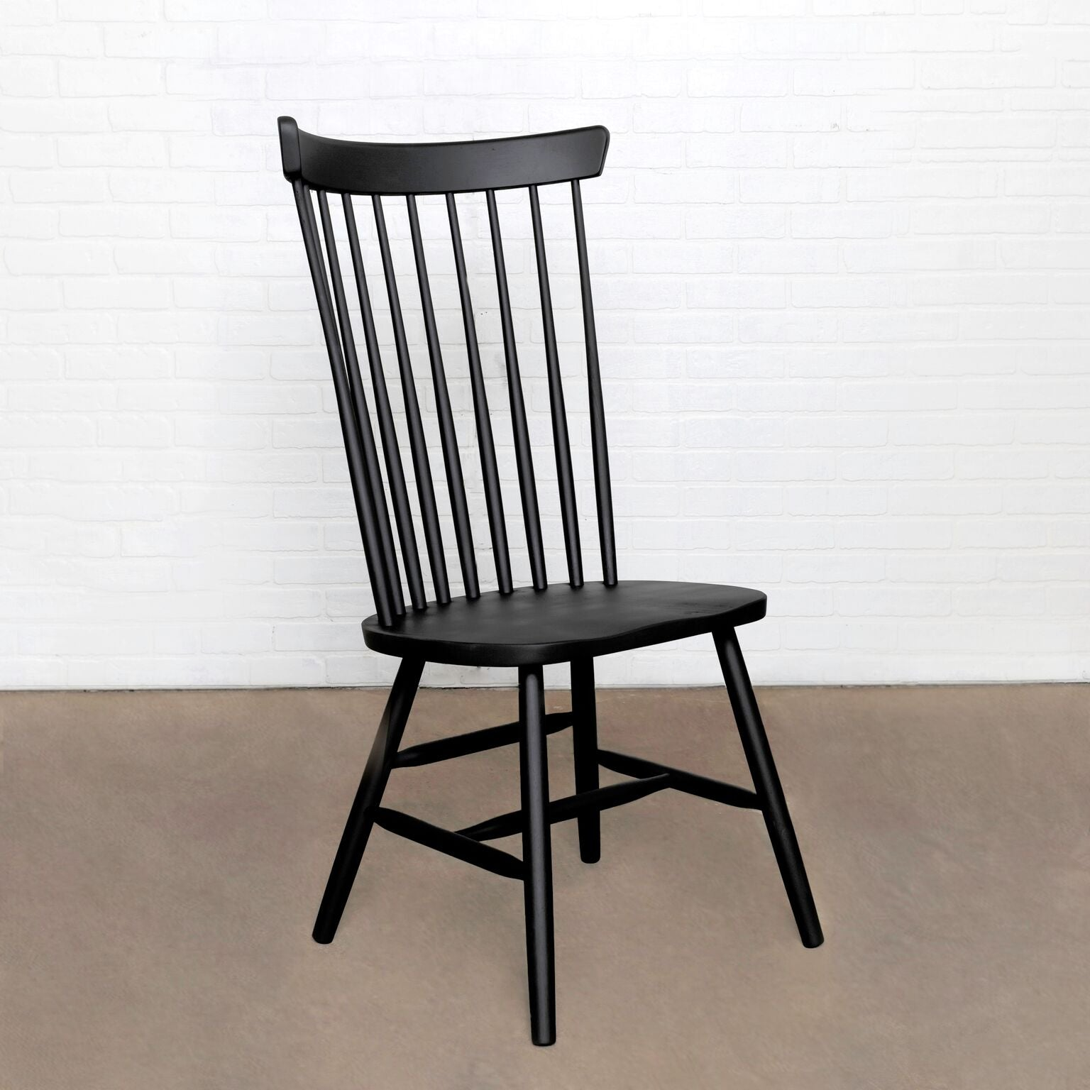 Seating | The Windsor Chair | Americana on Parawood | WW SKU: C-290  and KK SKU: WIN-DC-1, Width: 23, Depth: 18, Height: 38, Weight: 38 | Wood |