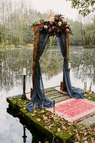 Bohemian decor idea for wedding