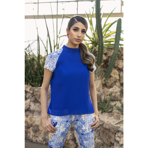 Cruise wear for women, Resort casual blue top