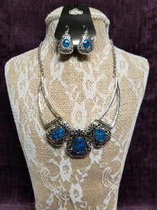Silver & Sparkling Turquoise Necklace Set in Swanton