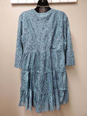 Stunning Lace Dress with Sleeves - You-nique Bou-tique