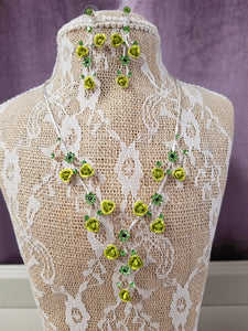 Intricate Floral Buds & Crystal Necklace Set - You-nique Bou-tique