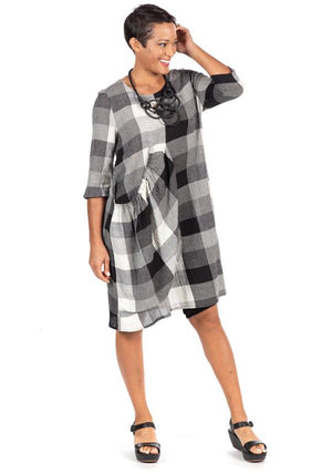 BEST SELLER - Introducing our Pocket Dress in Cotton in Plaid - You-nique Bou-tique