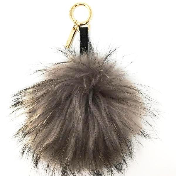 Linda Richards Pom Keychain, Grey, O/S