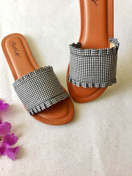 Gingham sliders - Black & White - The Tassle Life
