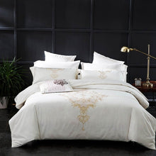 Luxurious Bedding Sets Queen King Size Embroidery Egyptian Cotton Bedlinens Duvet Cover Bedsheet Pillow Cases