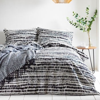Brushstrokes Monochrome Cotton Bedding