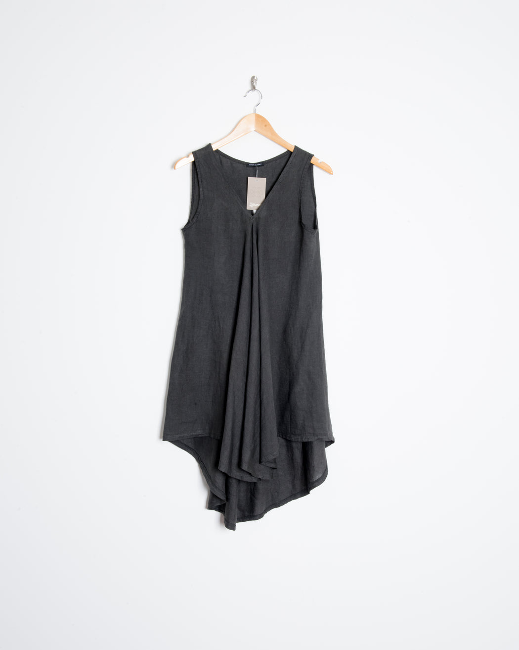 VNECK SLEEVELESS