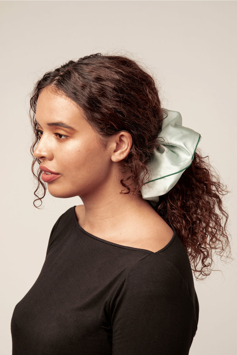 Shayne jumbo 100% silk scrunchie in mint.