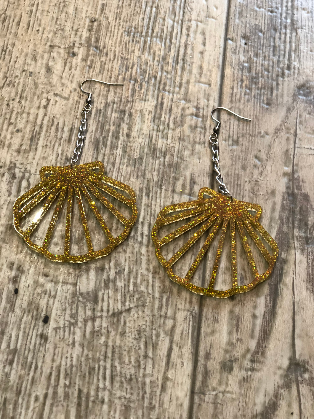 Gold Glitter Sea Shell Earrings by NBB | Earrings - 80s 90s Retro Vintage Clothing | Spark Pretty
