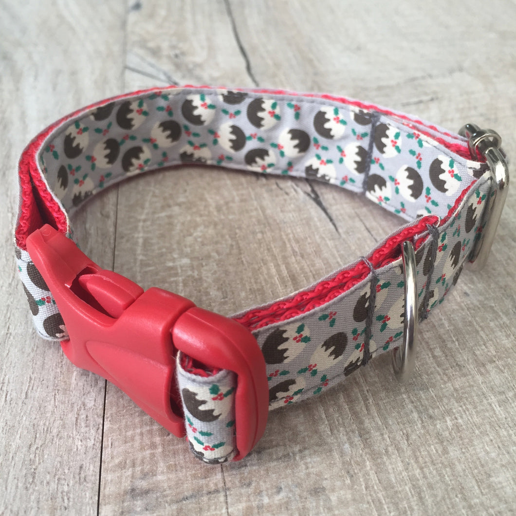 Dog Collar - Christmas Puddings with Red Plastic Buckle - Size Medium