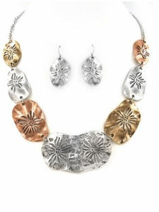 Metal Seashell Necklace Set