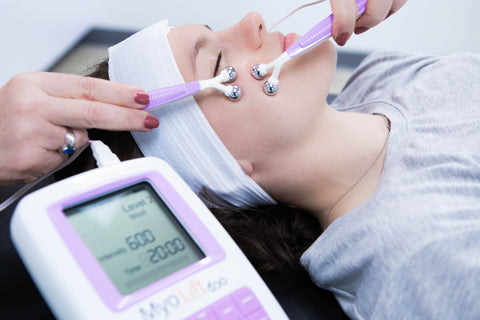 relaxing microcurrent facial should not cause pain or twitching