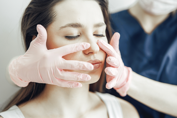 pros and cons of traditional surgical face lift