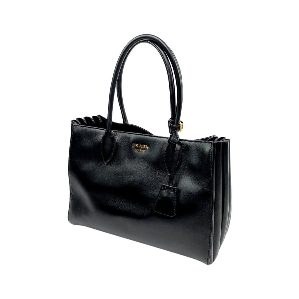 Prada tote handbag leather black