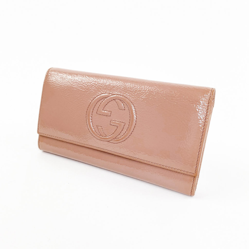 gucci soho wallet patent leather nude blush