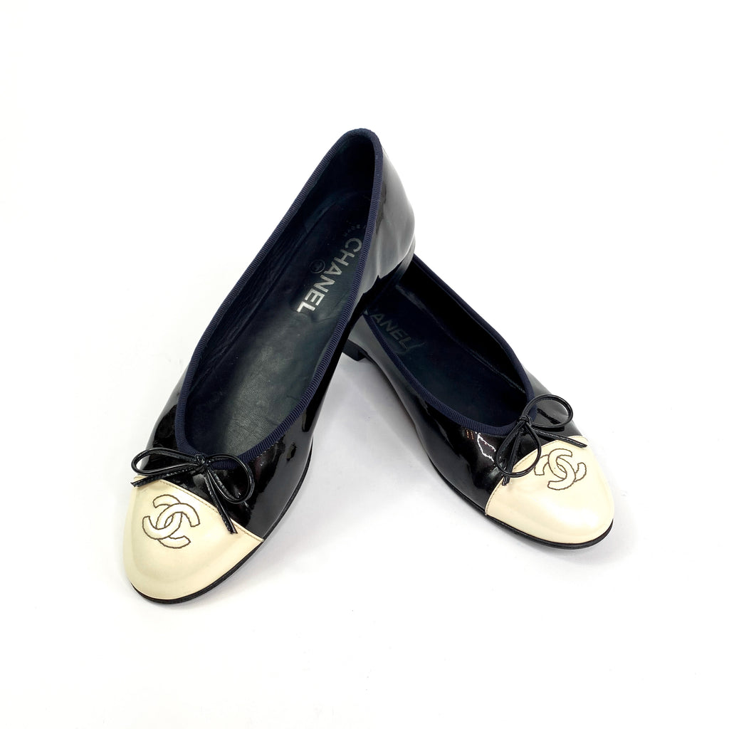 Chanel ballet flats black navy ivory toe