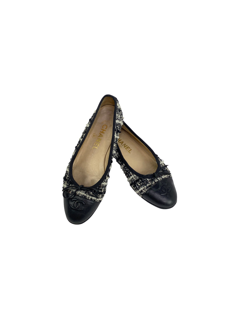 Chanel tweed ballet flats black