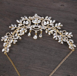 Bridal Rhinestone Tiara with Teardrop Detail