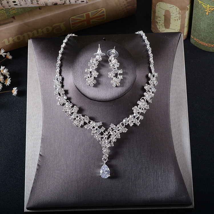 'Trinity' Necklace & Earrings Set - The Royal Look For Less