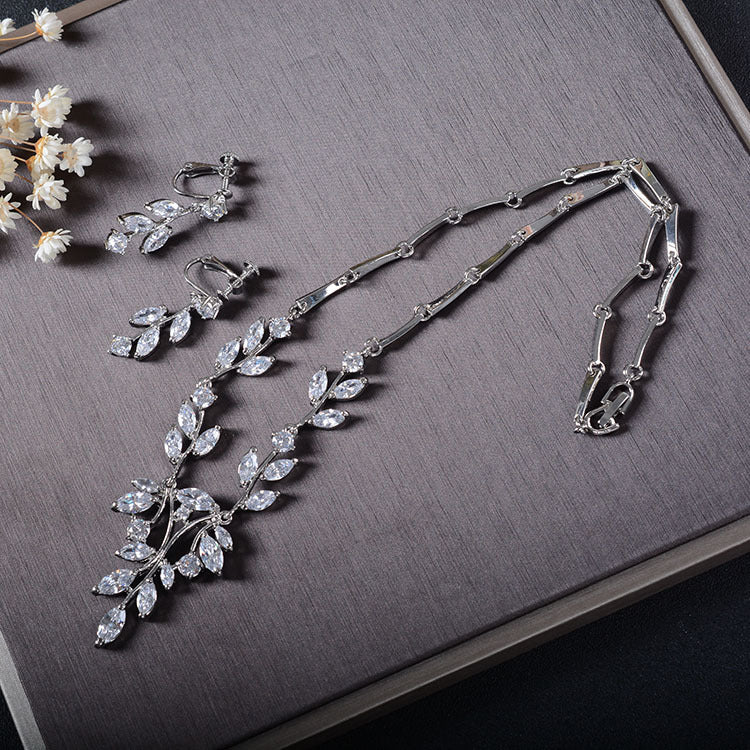'Isla' Necklace & Earring Set - The Royal Look For Less