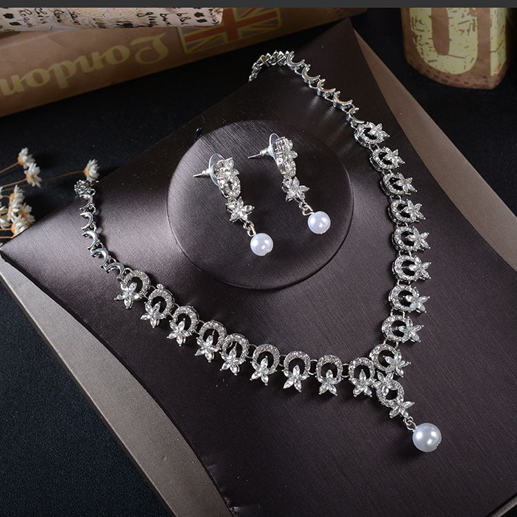 'Southampton' Necklace & Earring Set - The Royal Look For Less