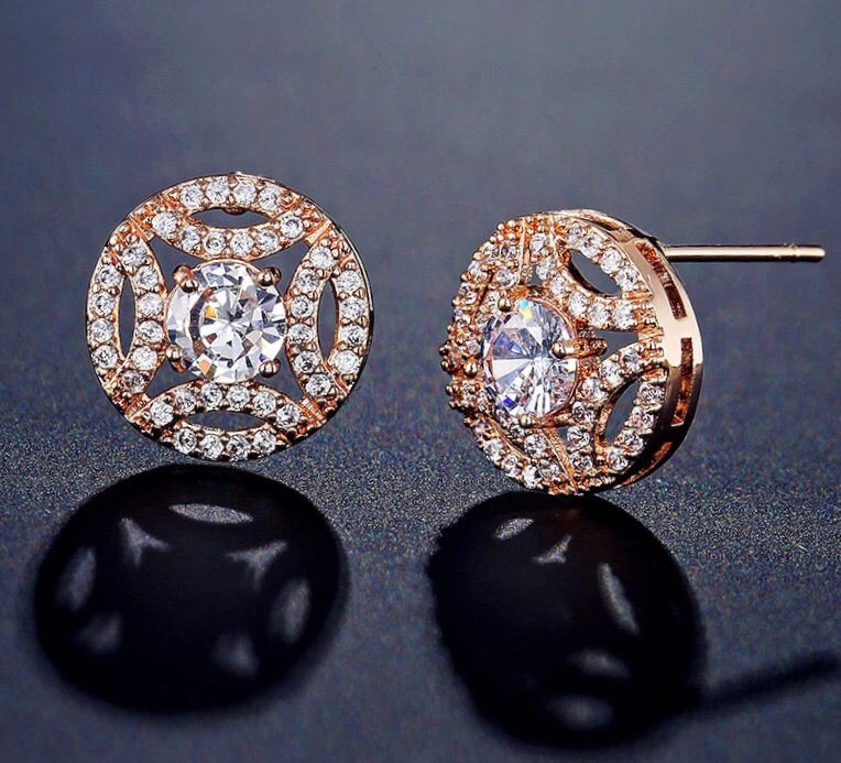 Round Love-knot Stud Earrings - The Royal Look For Less