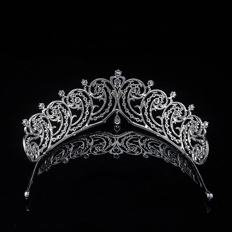 The Cartier Essex Tiara Replica - The Royal Look For Less