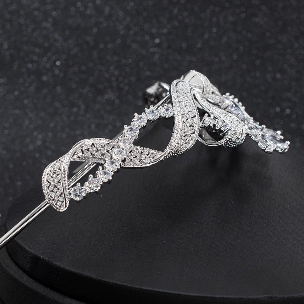 Belle Époque Bow Knot Diamond and Platinum Aigrette Tiara, Circa 1915 - The Royal Look For Less