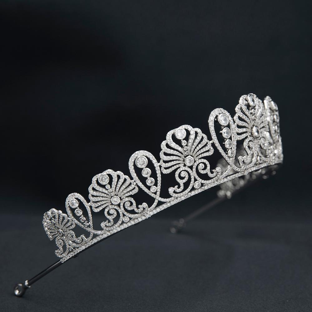 The Japanese HoneySuckle Tiara - The Royal Look For Less