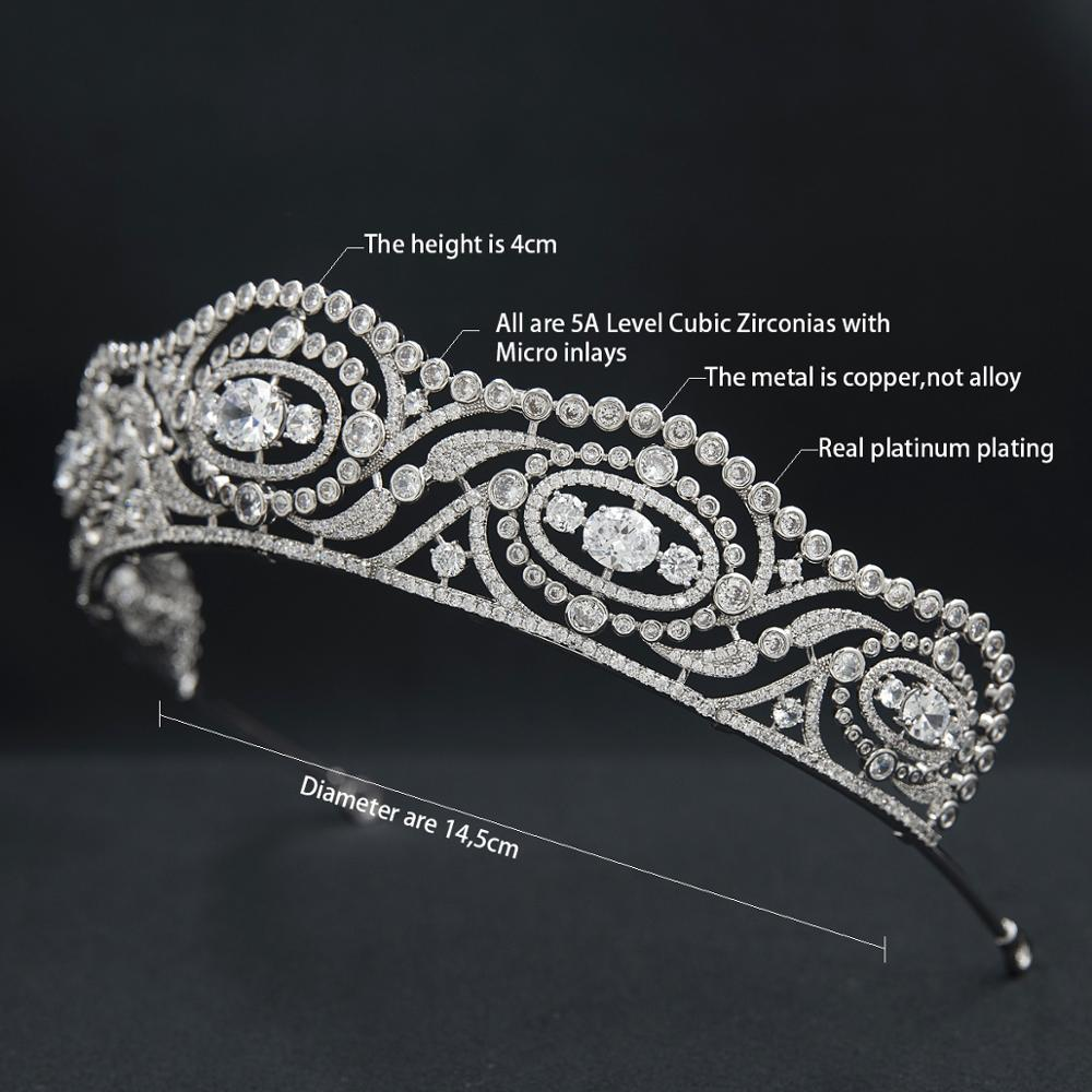 Duchess of Calabria's Tiara Replica - The Royal Look For Less