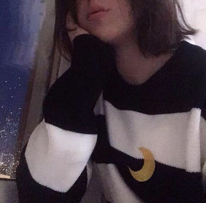 MOON STRIPES SWEATER