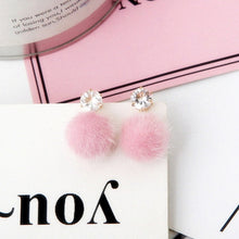 STUD POM POM EARRINGS