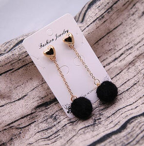 HEART POM POM EARRINGS