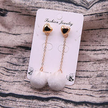 HEART POMPOM EARRINGS