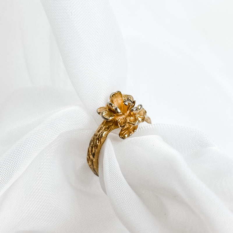 Vintage Flower Ring - Size 6