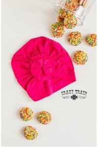 KIDS LOVE ME KNOT CAP - HOT PINK
