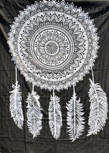 Dreamcatcher Black and White - Size Twin