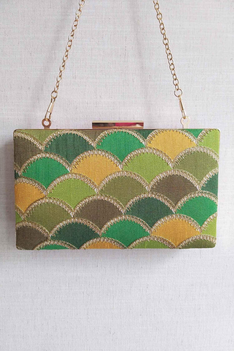 Mehreen shaded clutch - green