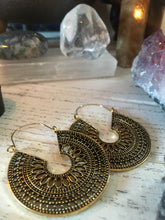 Stunning Vintage Earrings 🍁🍂
