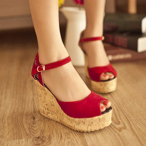 Elegant Buckle High Platform Peep-Toe Wedge Sandals