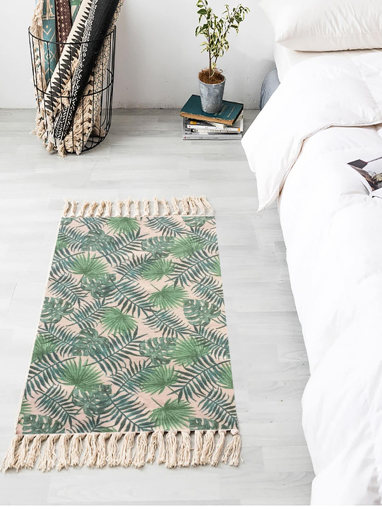 Tropical Leaf Print Woven Tassel Floor Mat