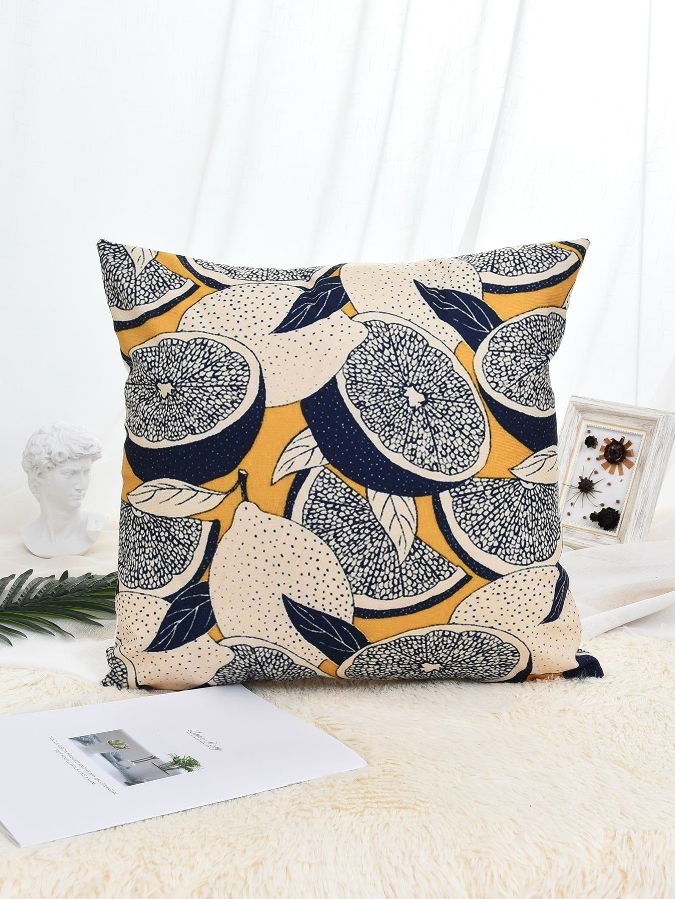 Lemon Print Cushion Cover