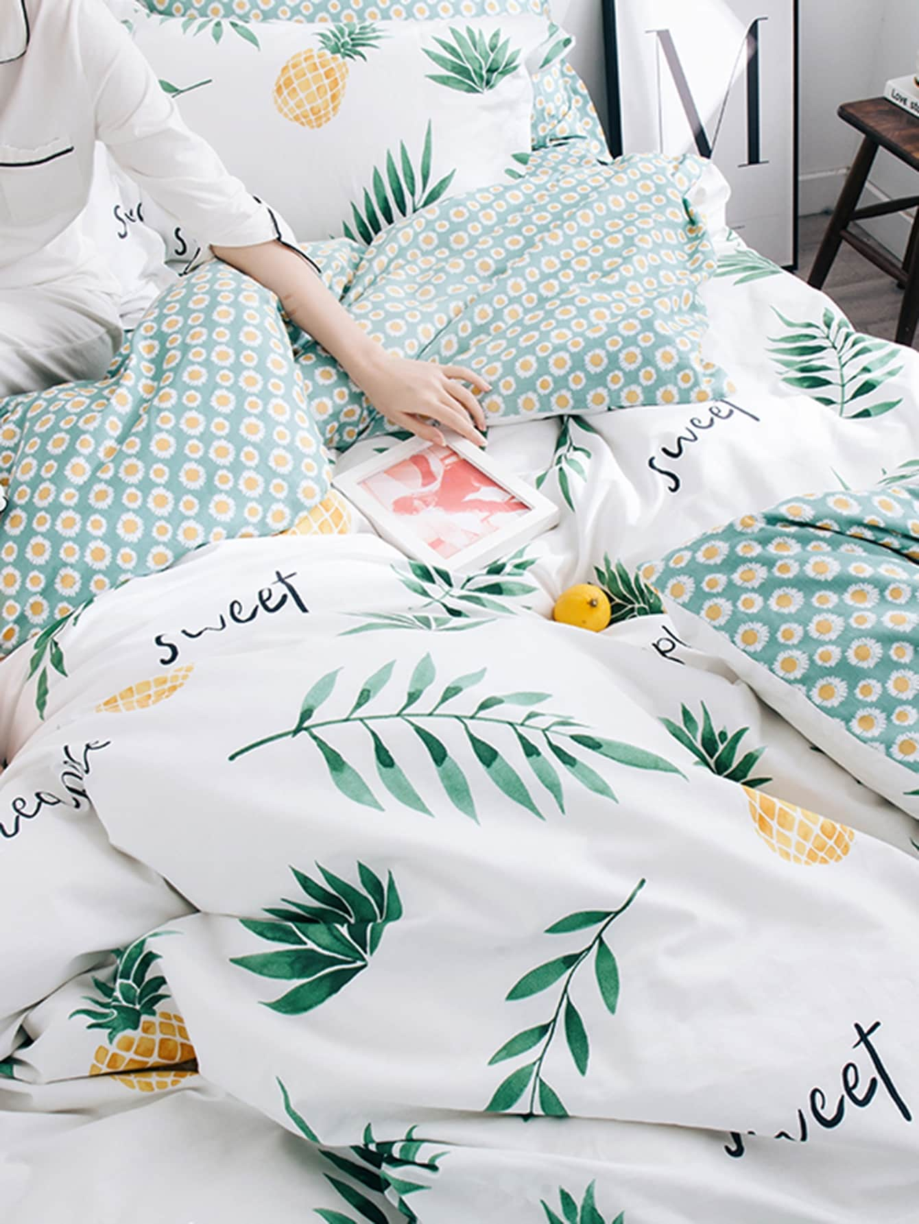 Pineapple Print Sheet Set