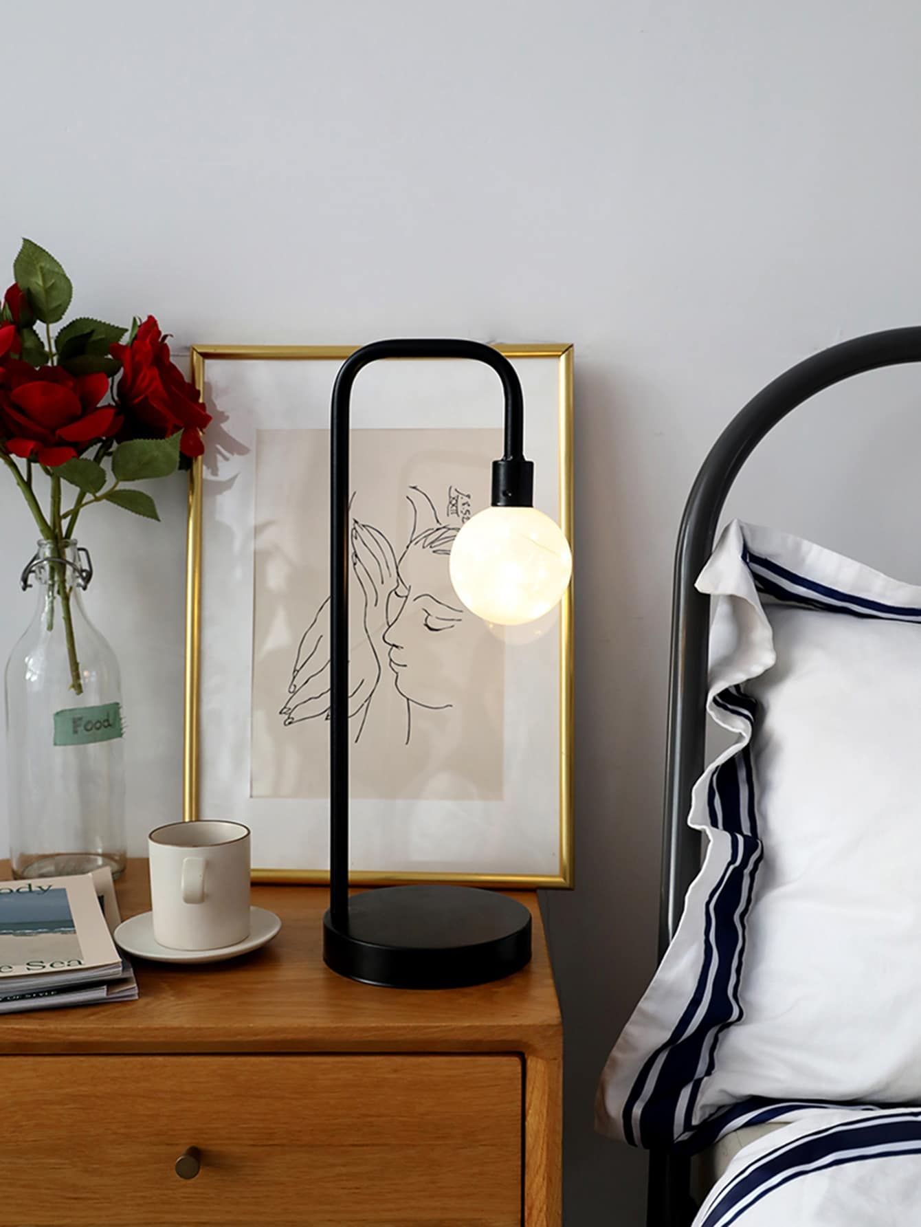 Street Light Shaped Iron Table Lamp